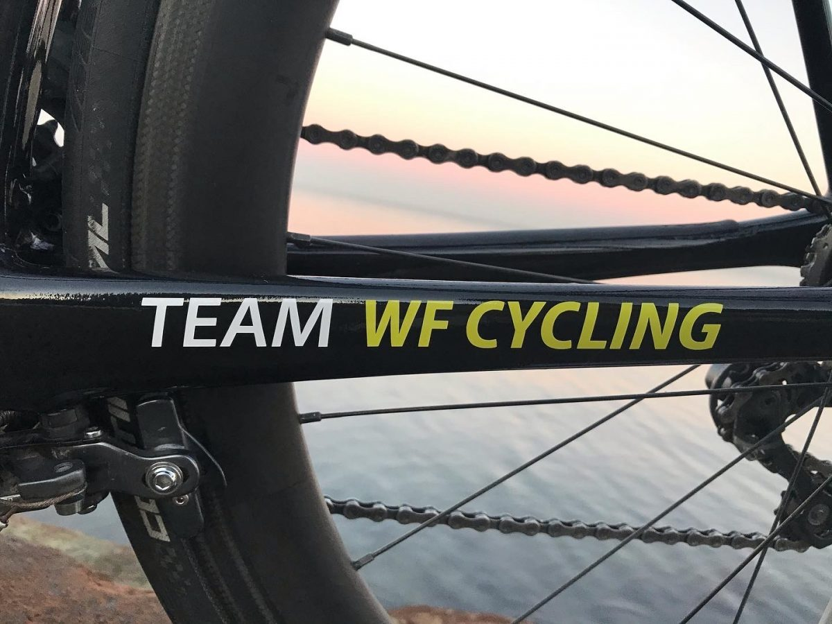 WF-cycling stickers op teamfiets